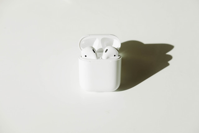 What to Look for When Buying Wireless Earbuds